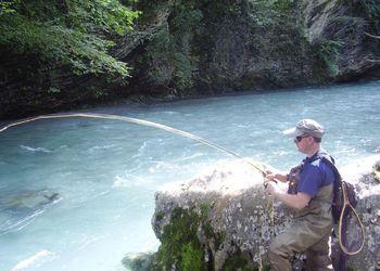 Pêche Sportive Chez Thierry – Vente d'articles de pêche et armurerie